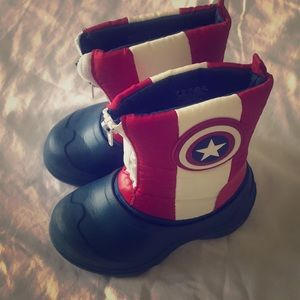 Disney Avengers Snow/ Water boots. Size 8 toddler